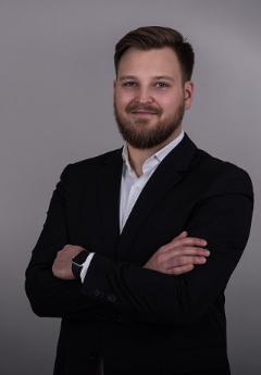 Paul Kavsek, BA